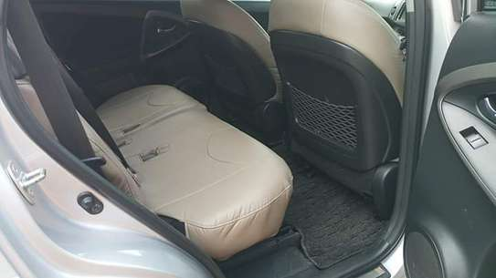 Toyota Vanguard image 4