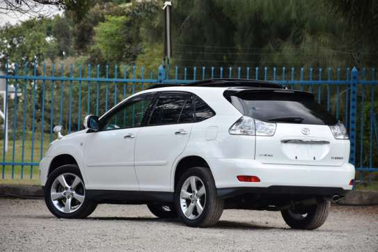 Toyota Harrier image 4