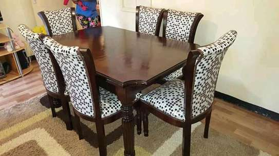 6 seatered dining set