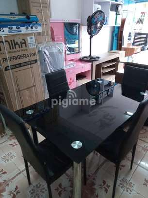 4 Seater Dinning Table image 5