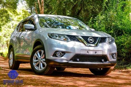 Nissan X-Trail image 1