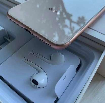 Iphone 8 plus *Gold* *256gb* image 5