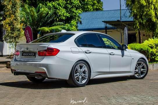 BMW 320i Sport image 3