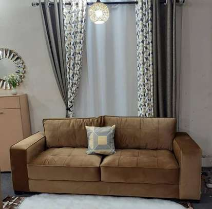 Classy 3 seater image 1