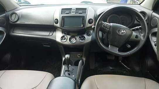 Toyota Vanguard image 8