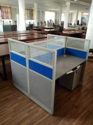 Four way working station image 1