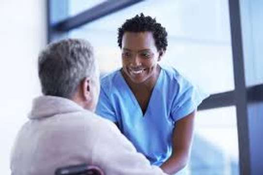 looking for a caregiver ? image 3