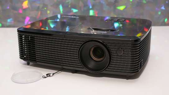 PROJECTOR FOR HIRE image 2