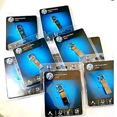 Hp flash disk 32 gb @800 ,64gb @1000