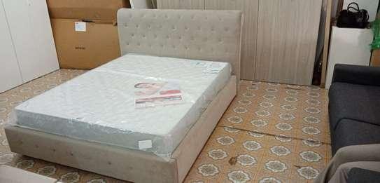 Italian modern Chester bed image 4