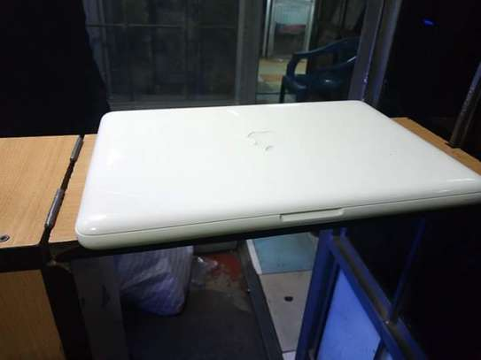 MacBook a1342 image 1