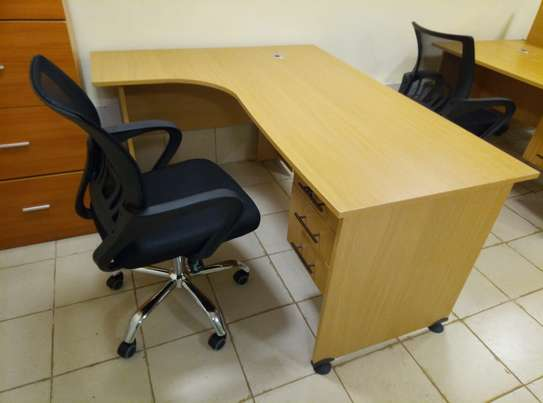 4Ft x 4Ft L-Shaped Office Desk & Chair image 1