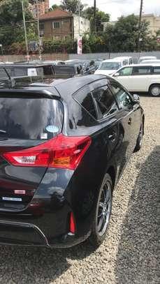 Toyota Auris image 10