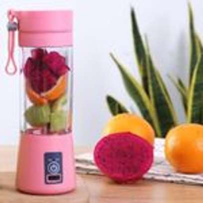 Rechargeable Portable Juicer Fruit Vegetable Juice Mixer image 3
