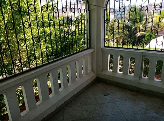 4 br house for rent in Nyali inside a gated community image 11
