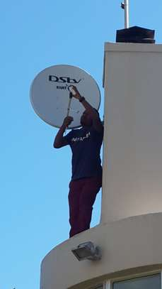 Looking for a DSTV installation /TV mounting/DSTV Repair? image 8