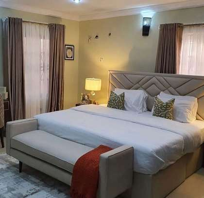 5*6 classy bed image 1