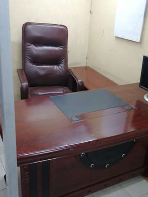 Executive office desk image 4