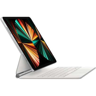 APPLE MAGIC KEYBOARD FOR IPAD PRO 11-INCH (3RD GENERATION) AND IPAD AIR (4TH GENERATION) image 1