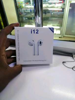 i12 wireless  earpods image 1