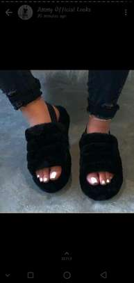 Ladies fluffy sandals image 1