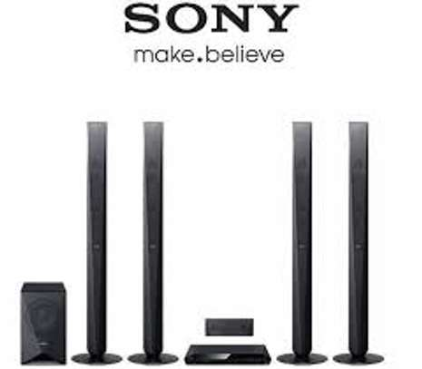 Brand new sony dz950 1000 watts available in my shop