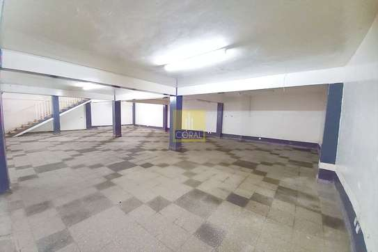 2140 ft² shop for rent in Industrial Area image 2