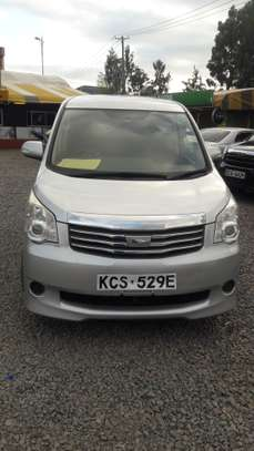 TOYOTA NOAH FOR HIRE image 2