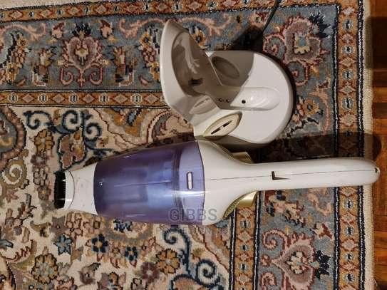 Philips Wet and Dry Mini Wireless Vacuum Cleaner image 4