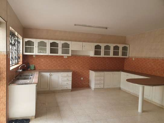 4 bedroom townhouse for rent in Brookside image 2