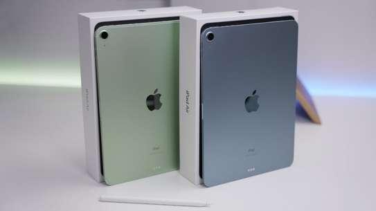 Apple IPad Air (2020) (IPad Air 4) 64GB image 2