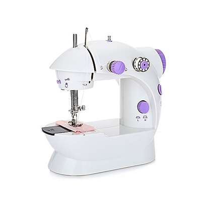 Mini sewing machine image 3