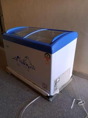 ICECOOL 259 LITRES DISPLAY FREEZER -SC259 image 9
