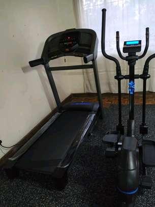Semi Commercial Horizon Treadmill image 3
