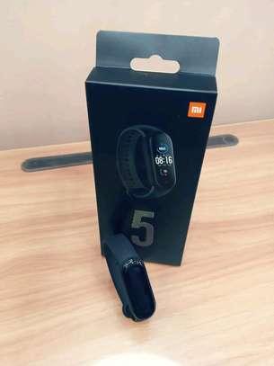 Xiaomi mi band 5 image 1
