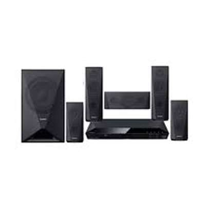 Sony Dav DZ350 Hometheater system on offer image 1