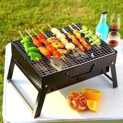 Portable chacoal grill image 1