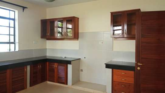 4 bedroom townhouse for rent in Kitisuru image 4