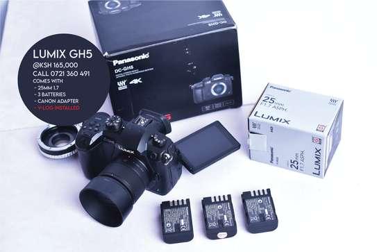 Panasonic Lumix GH5 Bundle Offer Good as Brand New image 1