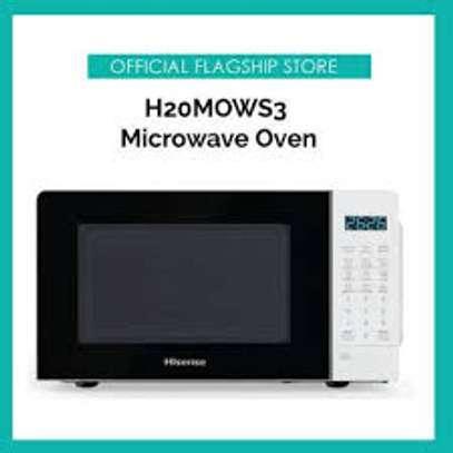 Hisense H20MOWS3 700W 20L Digital Microwave – Black & White image 1