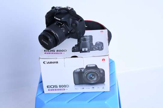Canon 800D + 18-55mm 1month old image 1