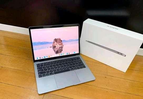 mac book air image 3