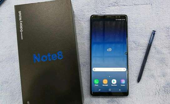 Samsung Galaxy Note 8 / 256 Gigabytes / Black And Wireless Galaxy Buds image 1