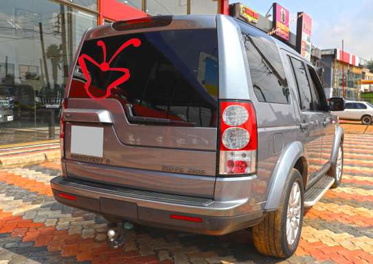 Land Rover Discovery IV image 2