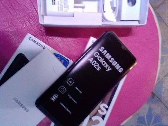 New Samsung Galaxy A02 64 GB Black image 2