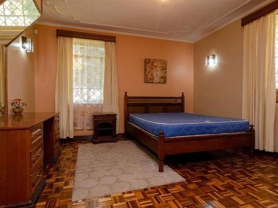 Runda - House image 6