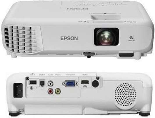 Epson Projector Uo5 image 1