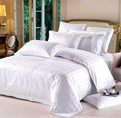 White-cotton duvet image 5