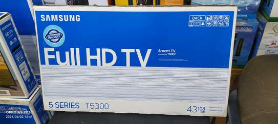 Samsung smart TV 43 inches image 2