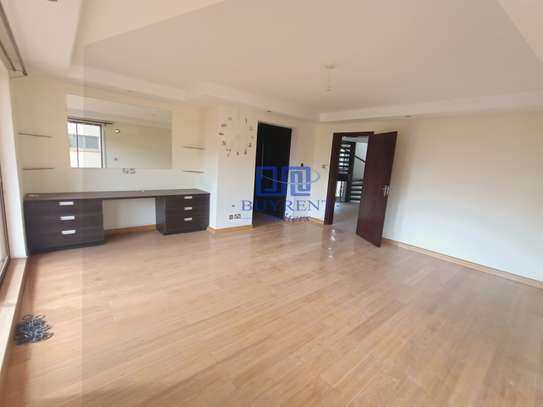 5 bedroom house for rent in Spring Valley image 12